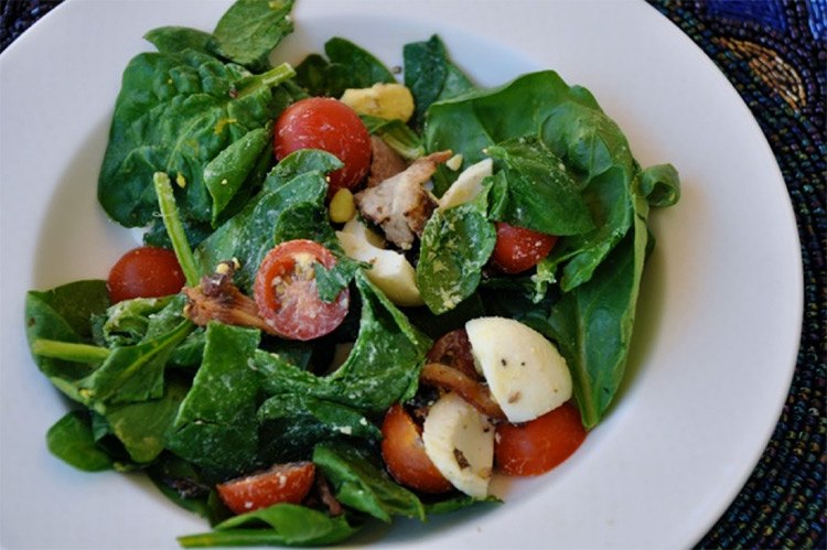 Best Spinach Salad